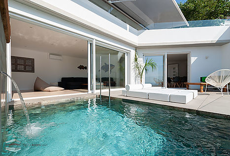 New construction house with pool for sale in Roses. Canyelles petites beach